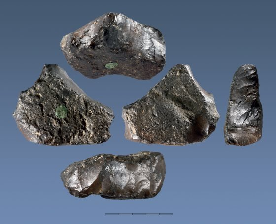 Radiocarbon Hookup Of Stone Tools Is Impossible