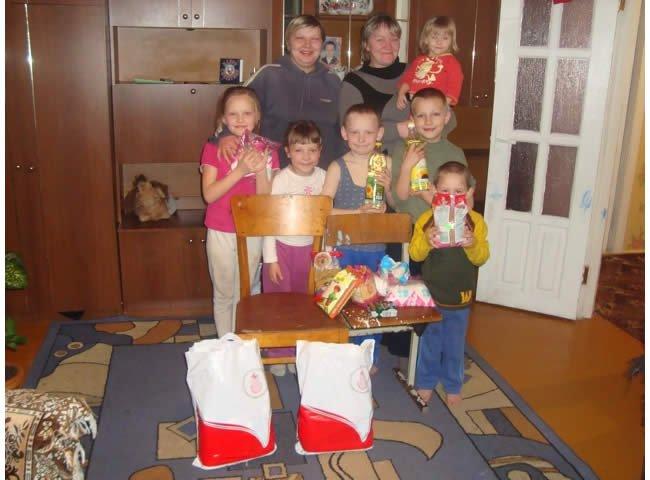Distributing Food Paks through the Children's Hunger Fund