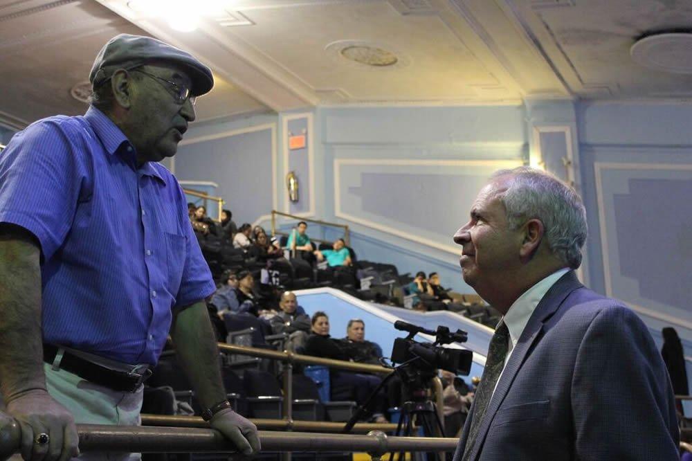Alan White con el invitado