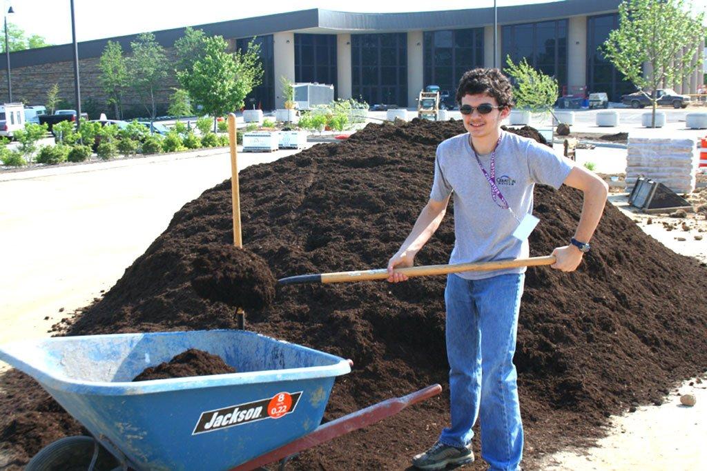 volunteers-5-12-07-141.jpg