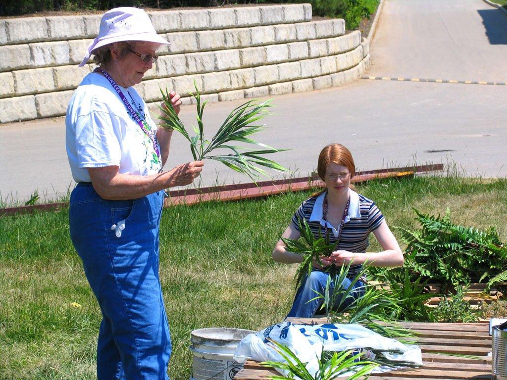 volunteers-pro-5-12-07-018.jpg