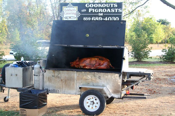 pig-cooking-9-21-07-038.jpg