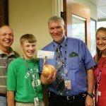 wisc-family-onion-money-gift-9-12-07-047.jpg