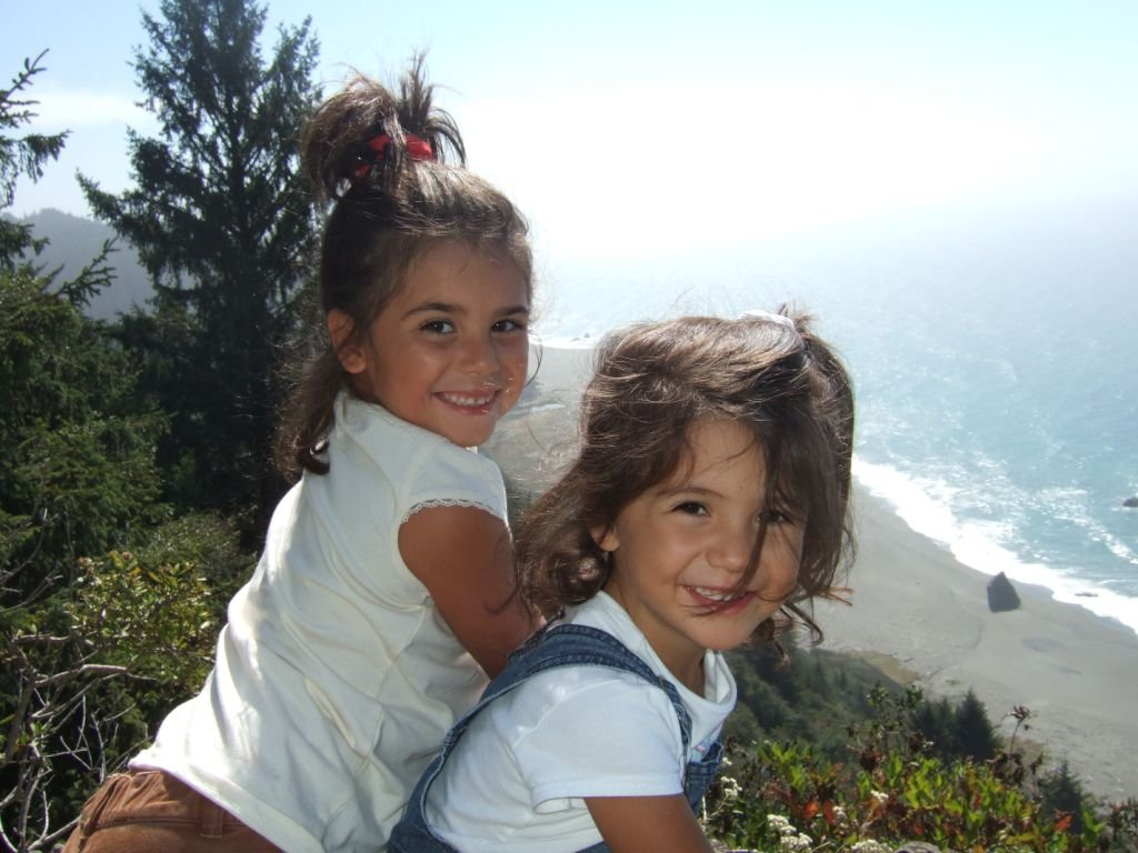 monique-and-cristina-sept-07-pacific-coast-of-ca-redwood-national-forrest.jpg