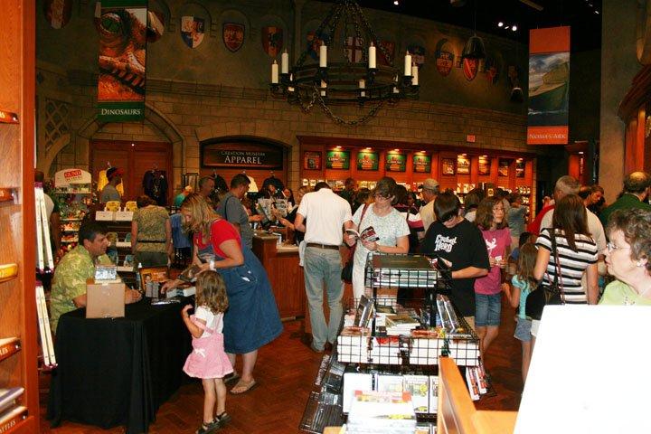 bookstore-bk-signing-6-28-08-096.jpg