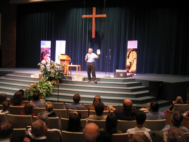 ken-ham-grand-rapids-nov-2008-058.jpg