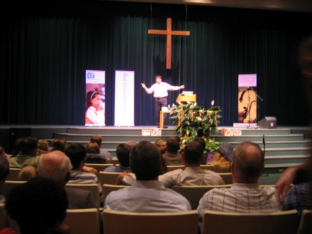 ken-ham-grand-rapids-nov-2008-082.jpg