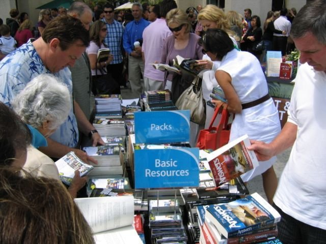 Crowds buying resources