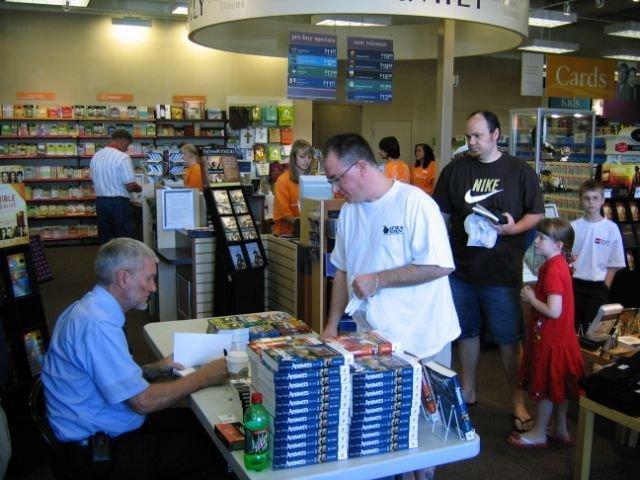 ham-book-signing-june-2009-023