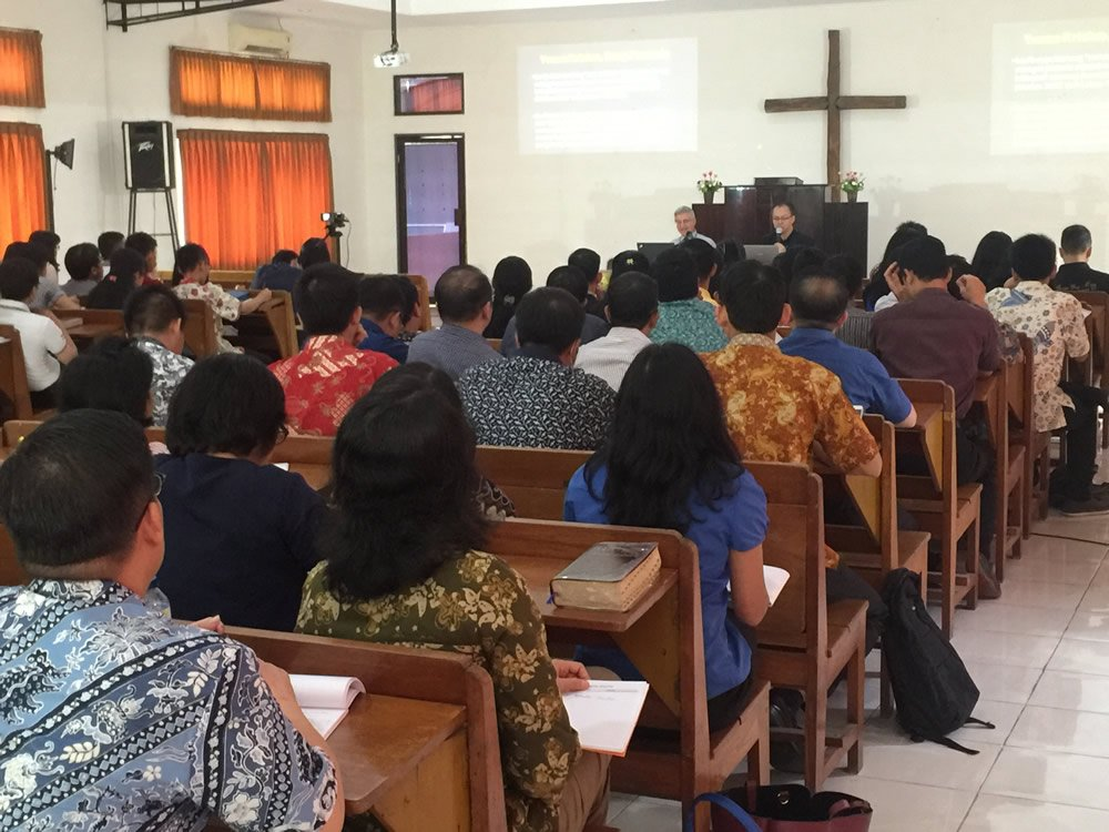 Dr. Andrew Snelling Teaching in Indonesia