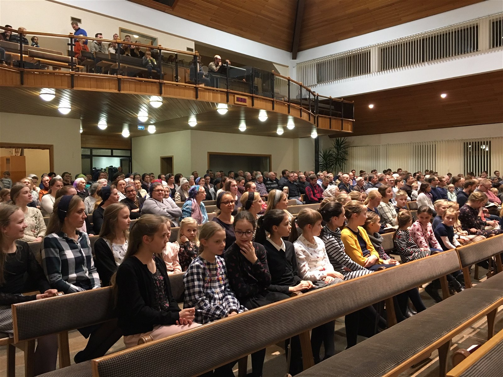 Dr. Terry Mortensen speaks in Fulda, Germany