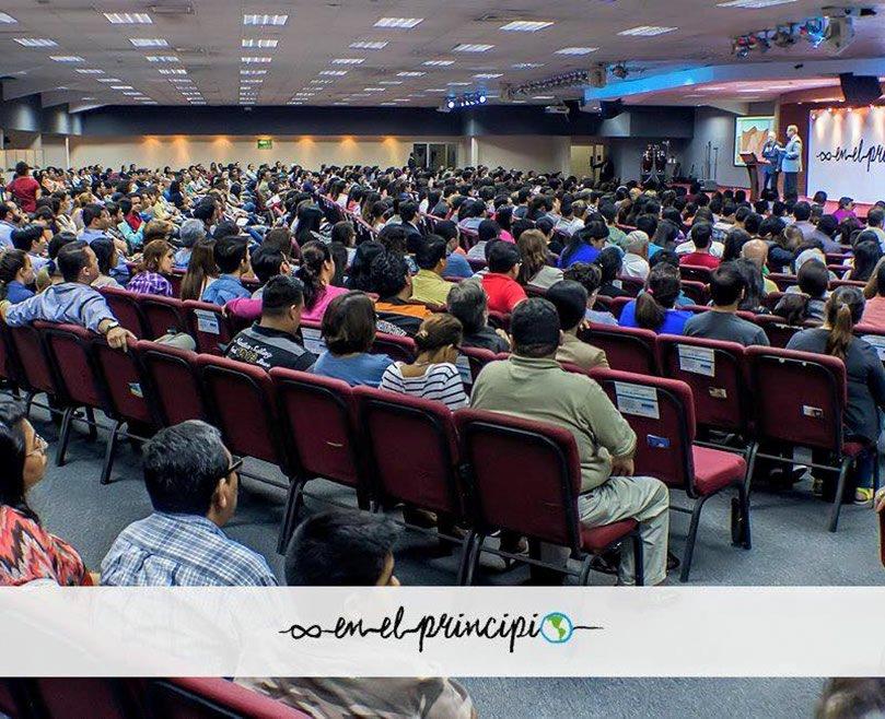 Conferencia en la iglesia Gracia Sobre Gracia del Salvador.