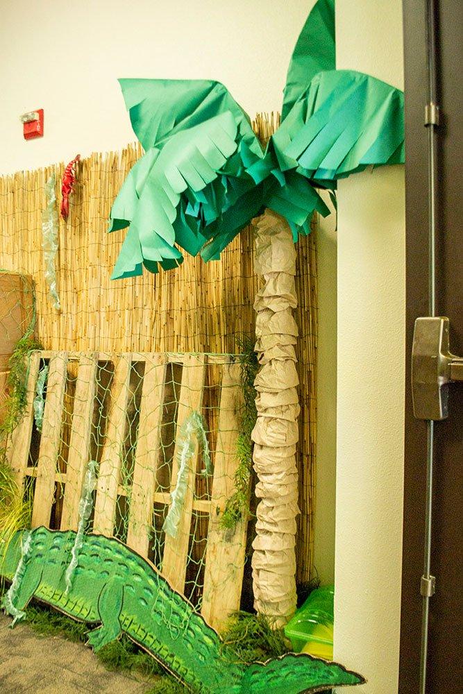 Free-Standing Palm Tree
