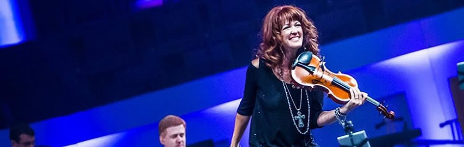Gifted Violinist Lori Jean Smith to Lead Music at Answers for Women 2017