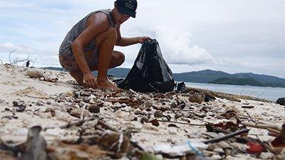Beach Cleanup on Bat Island (Vlog Episode 30)