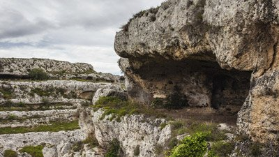 Neanderthals, Like Other Humans, Heated Water, and Organized Their Homes