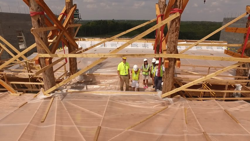 2015-09-05 Ark Encounter Scale Zoom Out